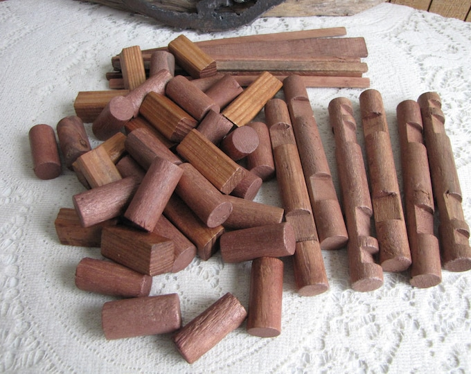 Lincoln Logs Wooden Specialty Building Logs Vintage Toys