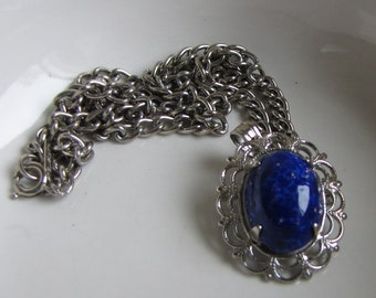 Blue Stone Pendant and Silver Toned Chain Elizabeth Morrey Necklace Vintage Jewelry and Accessories