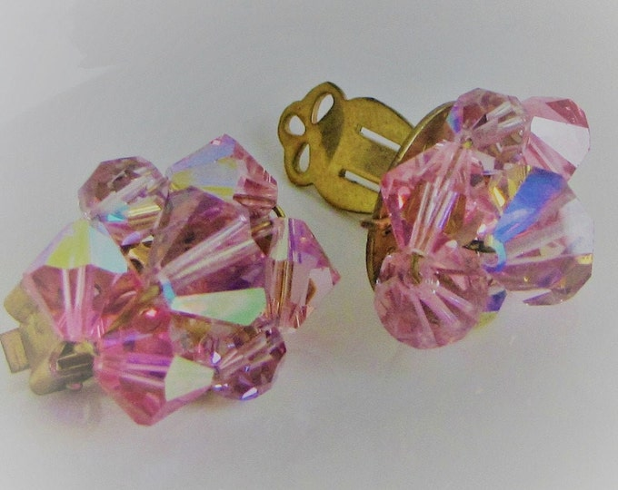 Pink Lucite earrings clip ons Vintage Jewelry and Accessories