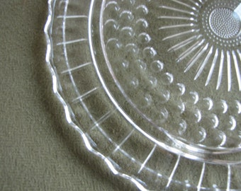 Vintage Daisy and Bubbles Cake Plate Anchor Hocking Footed Sandwichand Dessert Tray