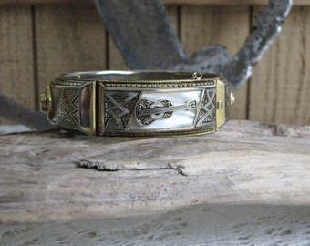 Gold and Silver Toned Guitar Bracelet Vintage Jewelry and Accessories