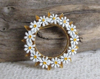 Vintage Circle Daisy Broch Vintage Jewelry and Accessories