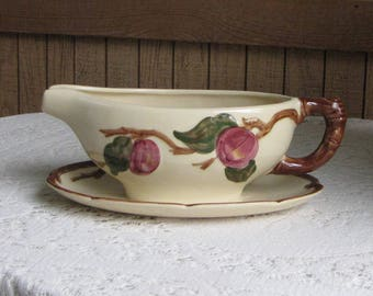 Franciscan Apple Gravy Boat with Underplate Vintage Dinnerware and Replacements California Pottery 1941-1947