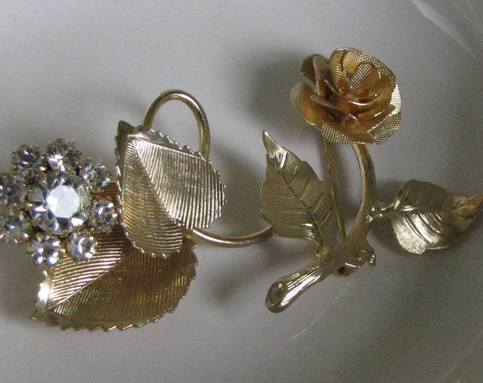 Flower Brooches Gold Toned Two (2) Vintage Women's Jewelry and Accessories