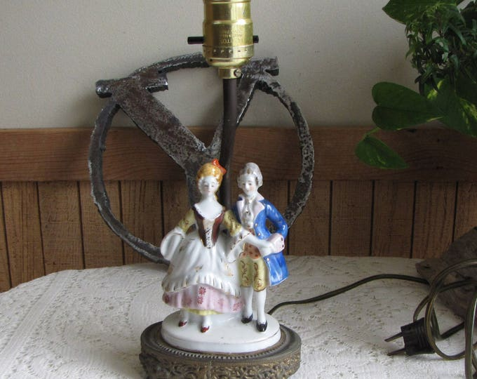 Vintage French Provincial Ceramic Lamp Vintage Boudoir and Bedrooms