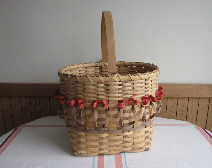Vintage Hand Woven Tulip Basket Flower or Vegetable Trug Susan E. Beckman Artist Iowa