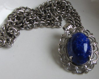 Elizabeth Morrey Necklace Blue Stone and Silver Toned Chain Vintage Jewelry and Accessories