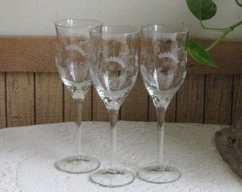 Etched Wine Glasses Queen Anne's Lace Design Set of Three (3) Wineglasses Vintage Barware