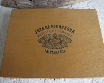 Joya De Nicaragua Cigar Box Vintage Wood Boxes and Storage Circa 1970s