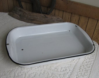 Vintage White Enamelware 13 x 9 Pan Farmhouse Rustic Cookware and Camping Gear