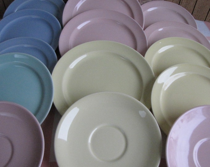 Luray Pastels Vintage Dinnerware and Replacements Taylor Smith & Taylor Fourteen (14) Pieces