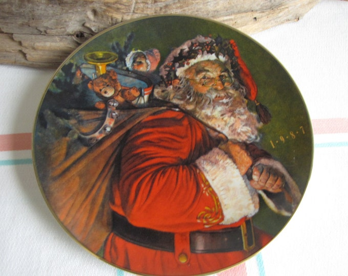 Avon Christmas Plate 1987 Vintage Holiday Decorations and Collectibles