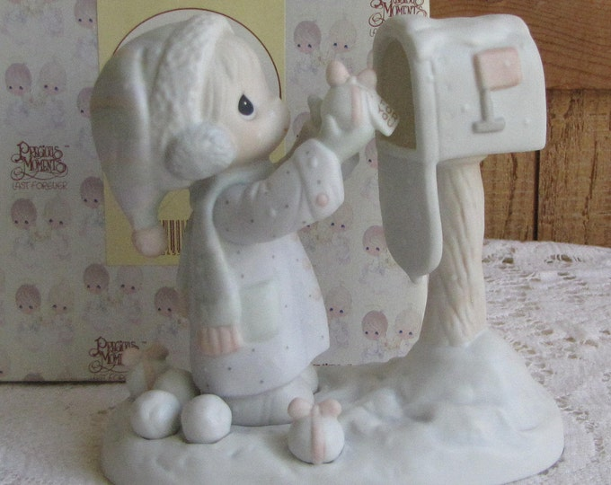 Precious Moments I'm Sending You a White Christmas Figurine Heart 1996 Symbol