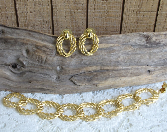 Concentric Circles Bracelet and Earrings Gold Toned Vintage Jewelry and Accessories