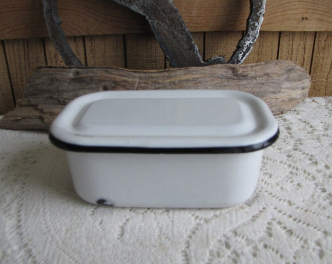 Lidded White Enamel Refrigerator Dish with Black Trim Vintage Kitchens Rustic Farmhouse