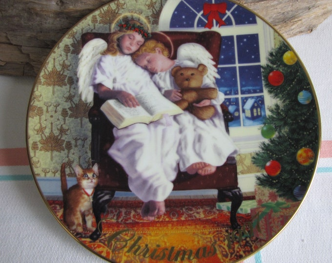 Vintage Avon Christmas Plate 1997 Heavenly Dreams