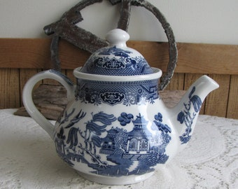Blue Willow Ware Teapot Churchill Vintage Dinnerware and Replacements Chinoiseries