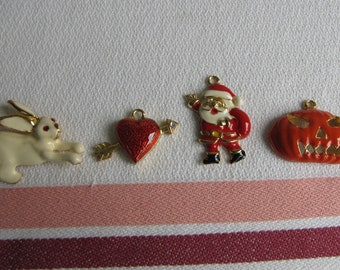 Holiday pendants Phister Enterprise set of 4 Vintage Jewelry and Accessories