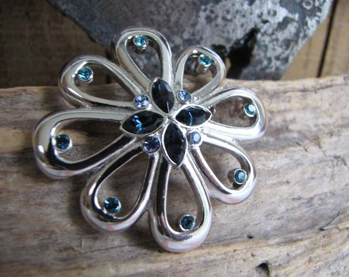 Silver Toned Flower Brooch with Rhinestones Vintage Jewelry and Accessories