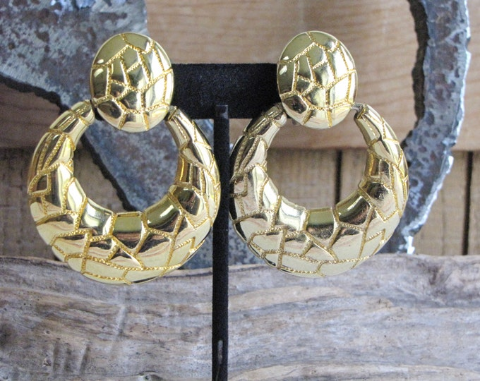 Animal Print Clip on Earrings Gold Toned Vintage Jewelry and Accessories