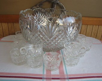 Pineapple Punch Bowl Set L.E. Smith Glass Vintage Bar and Drinkware