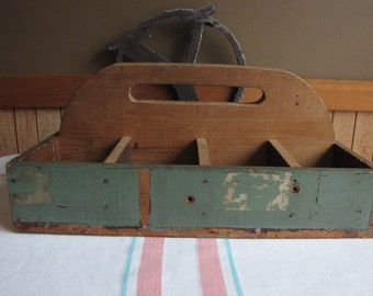 Wood Tote or Toolbox Vintage Wooden Boxes and Crates