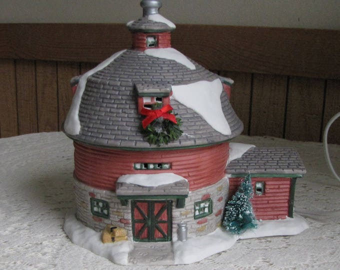 Vintage Christmas Barn Seasonal Specialties Ceramic Lighted Round Barn 1997 Christmas Valley