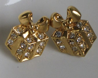Christmas Presents Earrings Avon Pierced Vintage Holiday Jewelry and Accessories