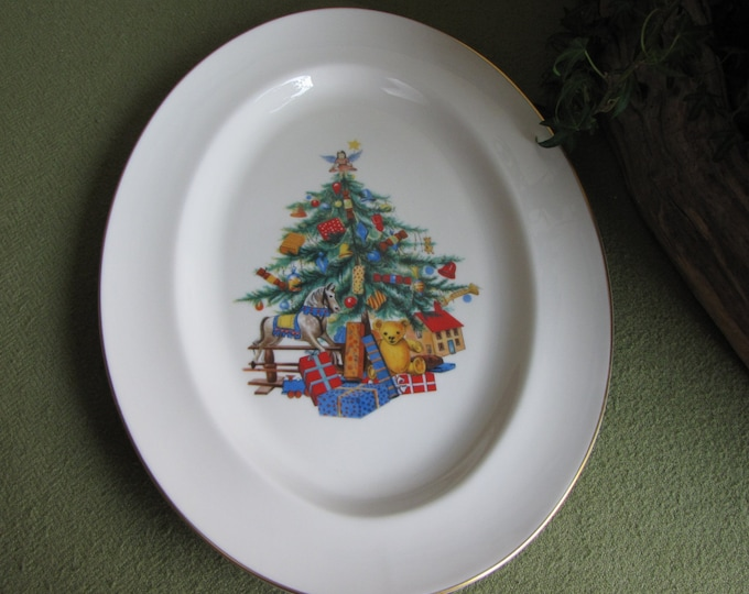 Pickard Christmas Tree Platter Holiday Vintage Dinnerware and Replacements