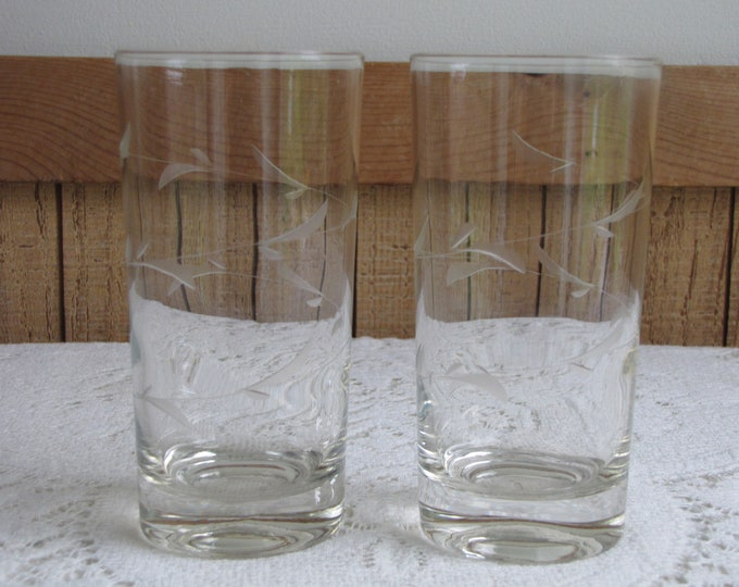 Set of Two (2) Etched Leaf Glass Tumblers Vintage Glasses and Drinkware