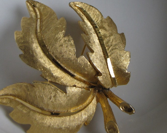 BSK Leaf Brooch Vintage Jewelry and Autumn Accessories Fall Leaves and Costume Jewelry
