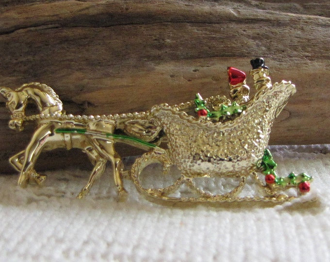 Gerry's Christmas brooch horse and sleigh gold toned Vintage Holiday Brooches and Accessories