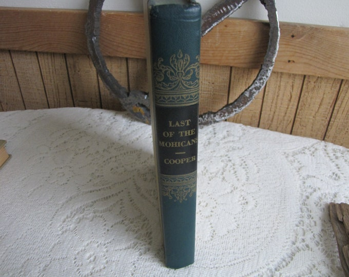Last of the Mohicans James Fenimore Cooper De Luxe Editions Club Garden City New York Vintage Books and Literacy Fiction