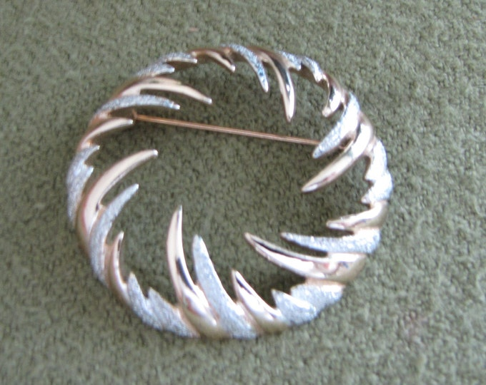 Circular Fire and Ice Lapel Pin Sarah Coventry