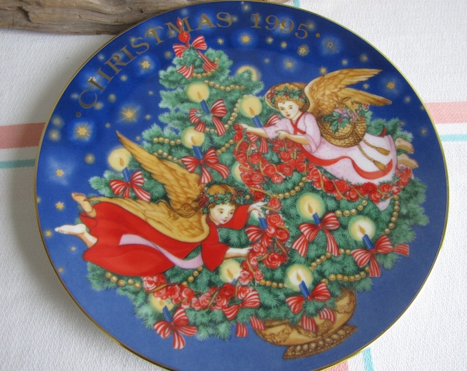 Vintage Avon Christmas Plate Trimming the Tree