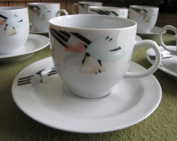 Graf Von Henneberg Coffee Cups and Saucers German Porcelain Art Deco Pattern Eight (8) Sets
