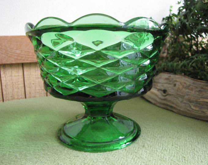 Vintage Emerald Green Footed Compote Pedestal Bowl Centerpieces and Table Decor