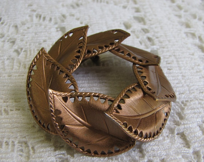 Brown Leaf Brooch Circle Lapel Pin Vintage Autumn Jewelry and Accessories