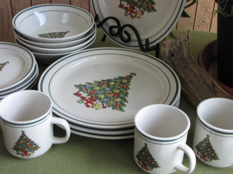 Vintage Christmas Tree Stoneware Holiday Dinnerware Set ...