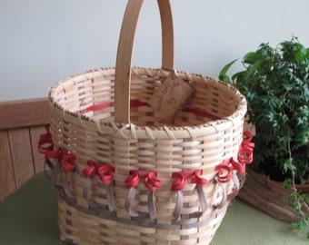 Vintage Hand Woven Tulip Basket, Susan E. Beckman Artist Iowa, Flower or Vegetable Trug
