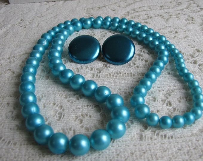 Turquoise Beaded Necklace and Saucer Earrings Vintage Jewelry and Accessories Costume Jewelry