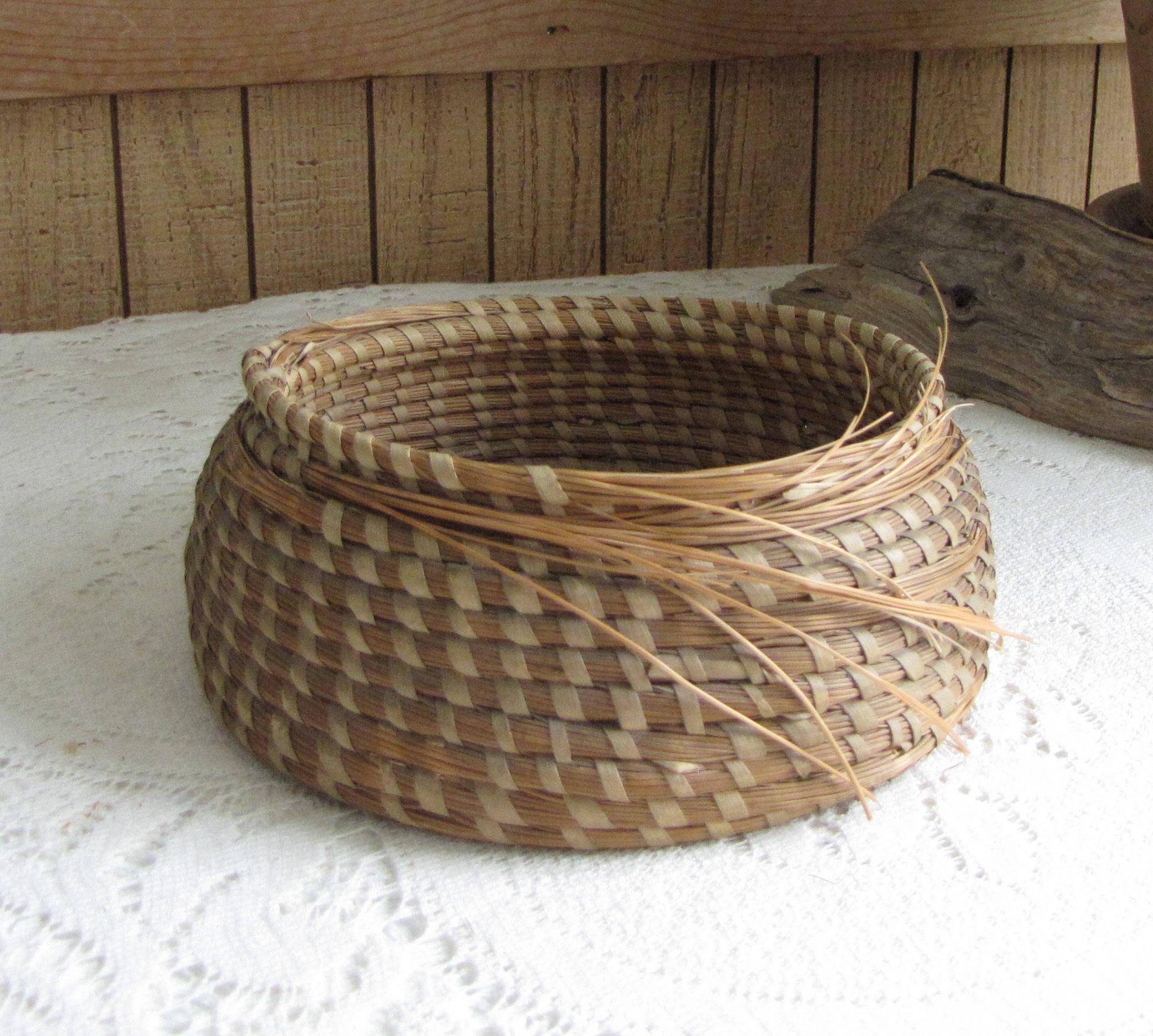 Hand Woven Basket Unfinished Garden Trug Vintage Storage and Gardens ...