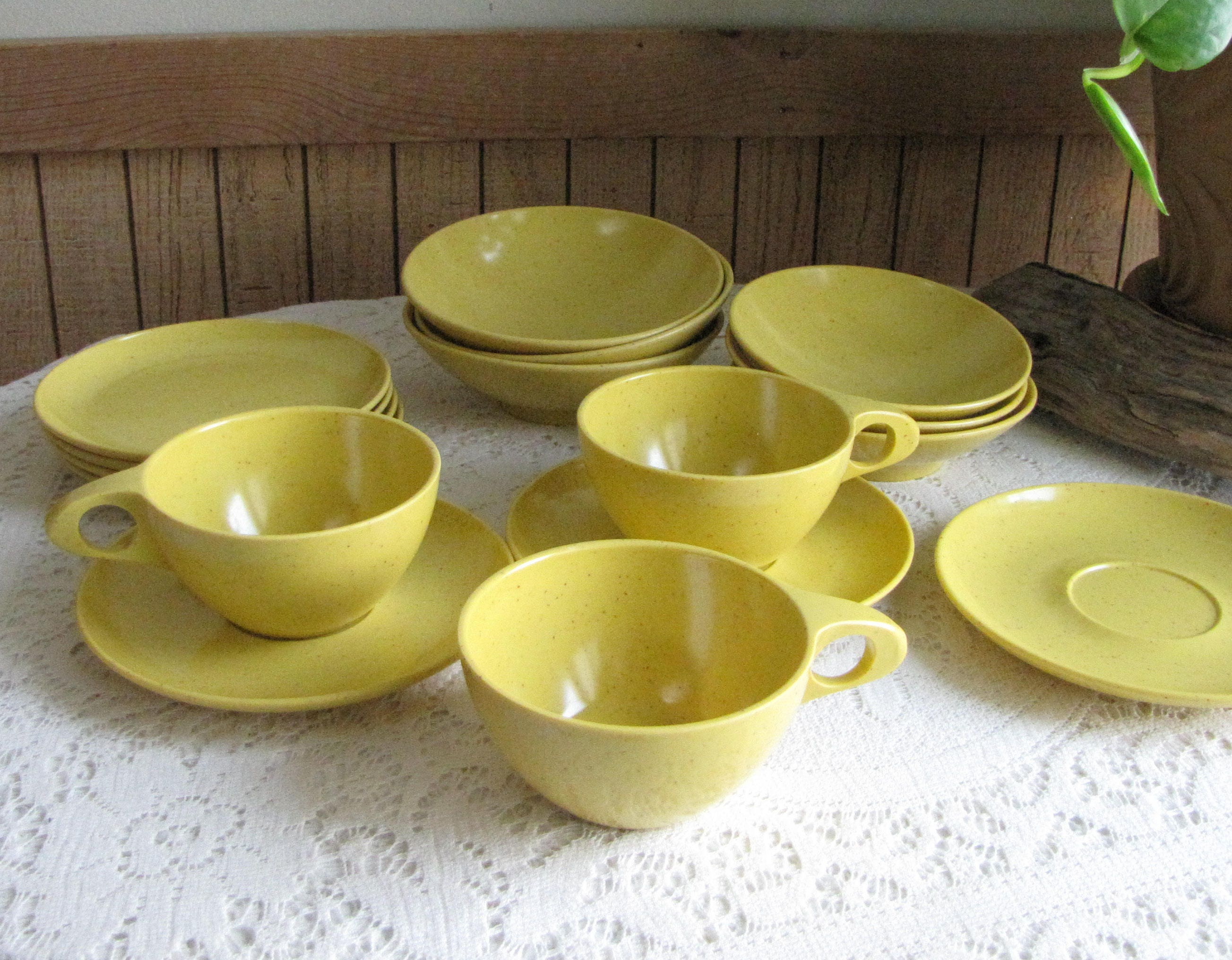 Kenro Yellow Vintage Dinnerware and Replacements Melamine Dishes Speckled Yellow Mid-Century 16 Pieces & Kenro Yellow Vintage Dinnerware and Replacements Melamine Dishes ...