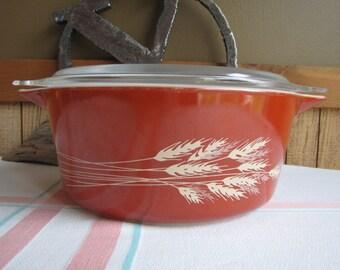 Pyrex Autumn Harvest 2.5-Quart Casserole 1970s Vintage Ovenware