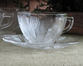 Hazel Atlas Starlight Cups and Saucers Creamer and Sugar Bowl 1938 - 1940 5 sets 12 Pieces Vintage Dinnerware and Replacements