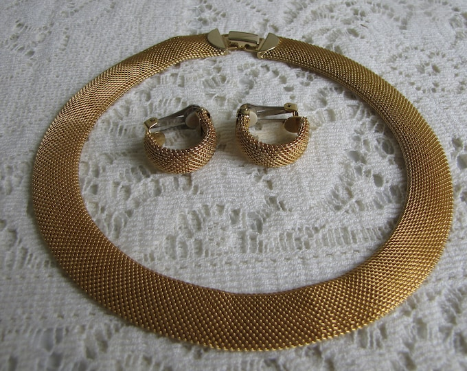 Gold Mesh Choker and Earrings Gold-toned Clip-Ons Vintage Jewelry and Accessories