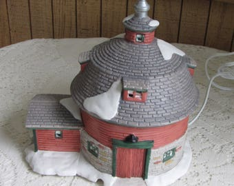 Vintage Christmas Barn Seasonal Specialties Ceramic Lighted Round Barn 1997 Christmas Valley