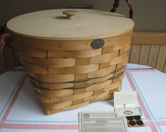 Peterboro Basket with Wooden Lid Vintage Baskets and Bins