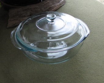 Vintage Pyrex Casserole Dish Original Clear Two (2) Quart Covered Casserole Cookware and Ovenware