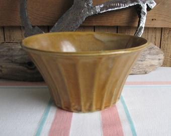 Vintage McCoy Econoline brown planter American Potteries